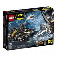 LEGO DC Batman 76118 Mr. Freeze Batcycle Battle